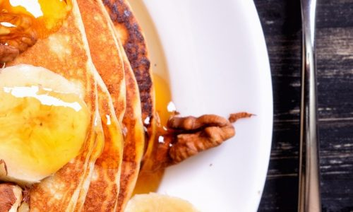 Pancakes-bananas-nuts-honey-delicious-food_iphone_1080x1920
